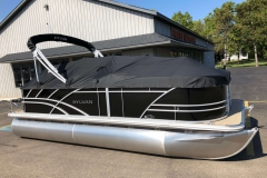 Black Playpen Cover of a 2021 Sylvan 8520 Cruise Pontoon