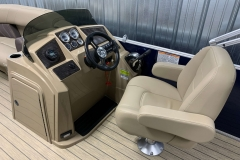 Helm and Captain's Chair of a 2020 Sylvan Mirage 8520 Cruise Pontoon 1