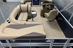 Interior Layout of a 2020 Sylvan Mirage 8520 Cruise Pontoon 2