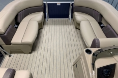 Bow Layout of a 2020 Sylvan Mirage 8520 Cruise Pontoon