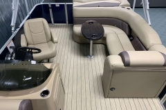 Aft Layout of a 2020 Sylvan Mirage 8520 Cruise Pontoon