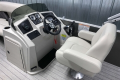 Helm and Captain's Chair of a 2020 Sylvan Mirage 8520 Cruise Pontoon