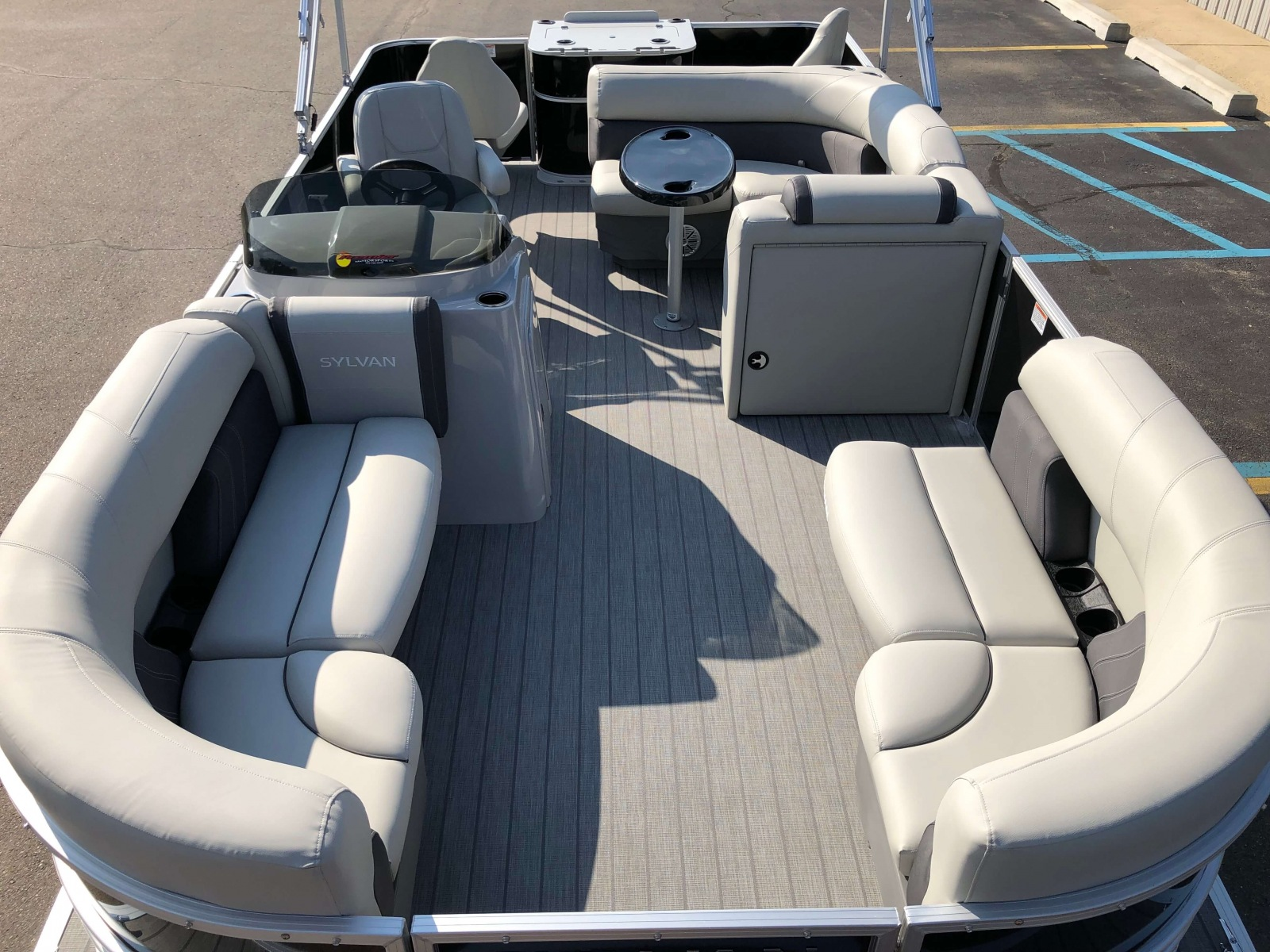 Interior Layout of a 2020 Sylvan Mirage 8520 Cruise-N-Fish Pontoon 1
