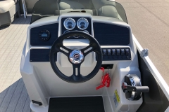 Drivers Console of a 2020 Sylvan Mirage 8520 Cruise-N-Fish Pontoon 2