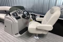 Fiberglass Console of a 2021 Sylvan Mirage 8520 Cruise Tritoon Boat