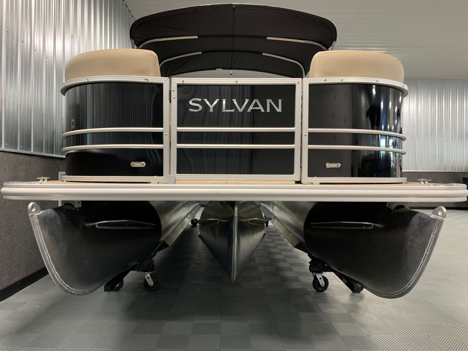 Tritoon Package of a 2020 Sylvan Mirage 8520 Cruise Tritoon