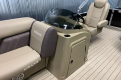 Helm of a 2020 Sylvan Mirage 8520 Cruise Tritoon