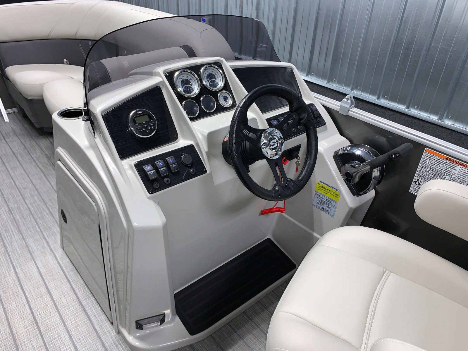 Drivers Console of a 2020 Sylvan Mirage 8520 Cruise Tritoon 1