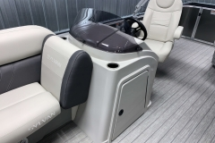 Helm and Captain's Chair of a 2020 Sylvan Mirage 8520 Cruise Tritoon 2