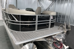 Rear Swim Deck of a 2020 Sylvan Mirage 8520 LZ Tritoon Boat