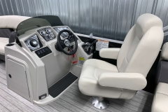 Helm and Captain's Chair of a 2020 Sylvan Mirage 8520 LZ Tritoon Boat