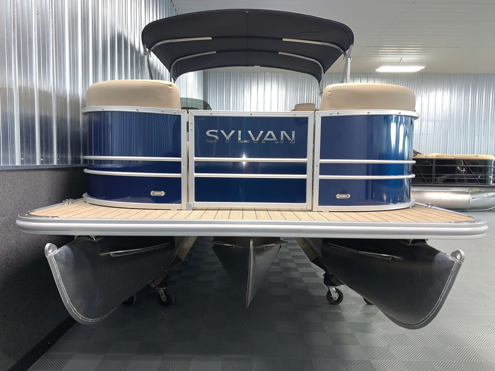 SPX Tritoon Package of a 2021 Sylvan Mirage 8520 LZ Tritoon Boat