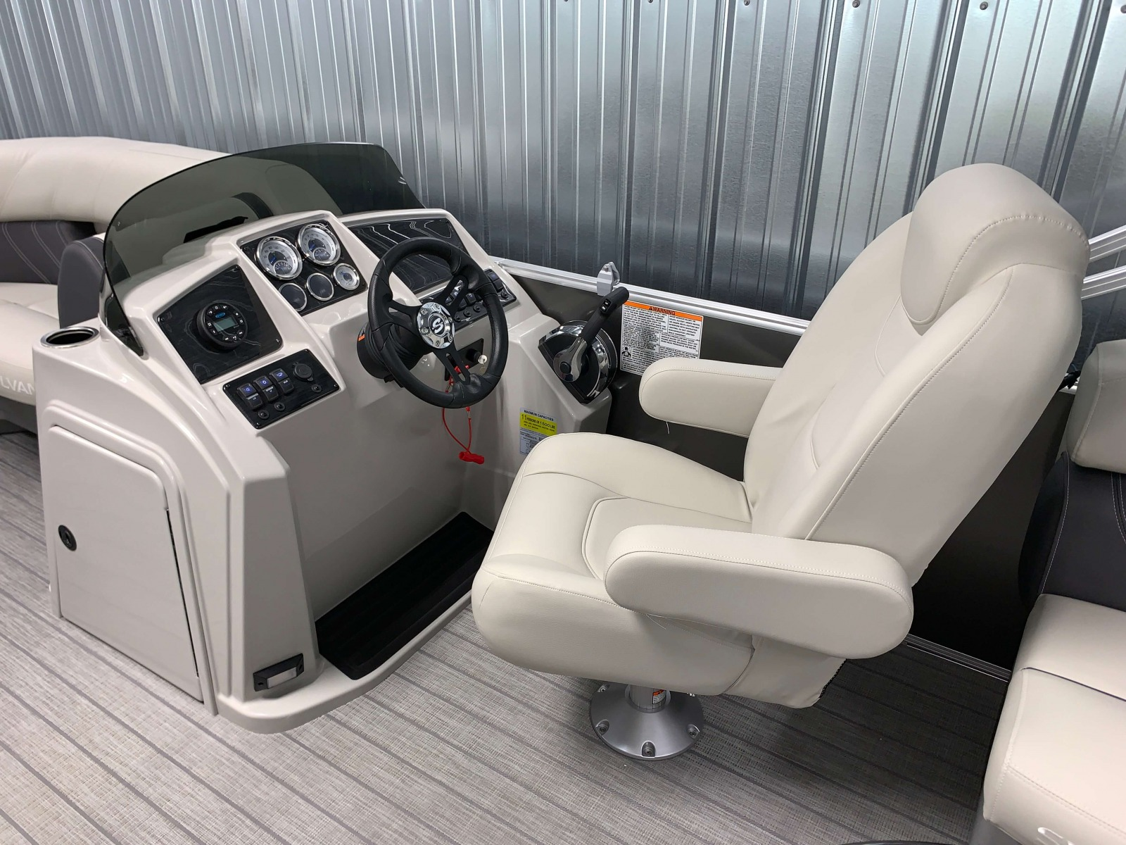 Fiberglass Helm of a 2021 Sylvan Mirage 8520 LZ Tritoon Boat