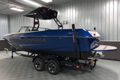 Trailer Guide Poles of the 2021 Moomba Max Wake Boat