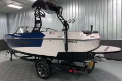 Trailer Guide Poles on the 2021 Moomba Mondo Wake Boat