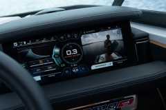 LINC Panoray Touchscreen Display of the 2021 Nautique 210 Wake Boat