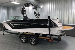 Trailer Guide Poles of the 2021 Nautique 230 Wake Boat