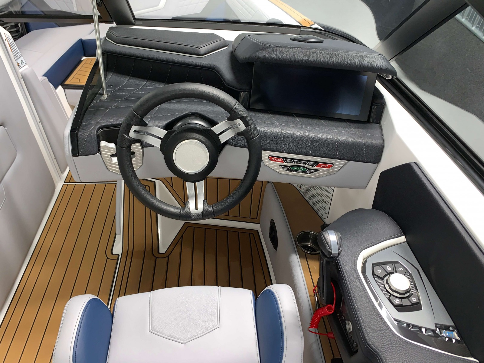Helm of the 2021 Nautique G23 Wake Boat