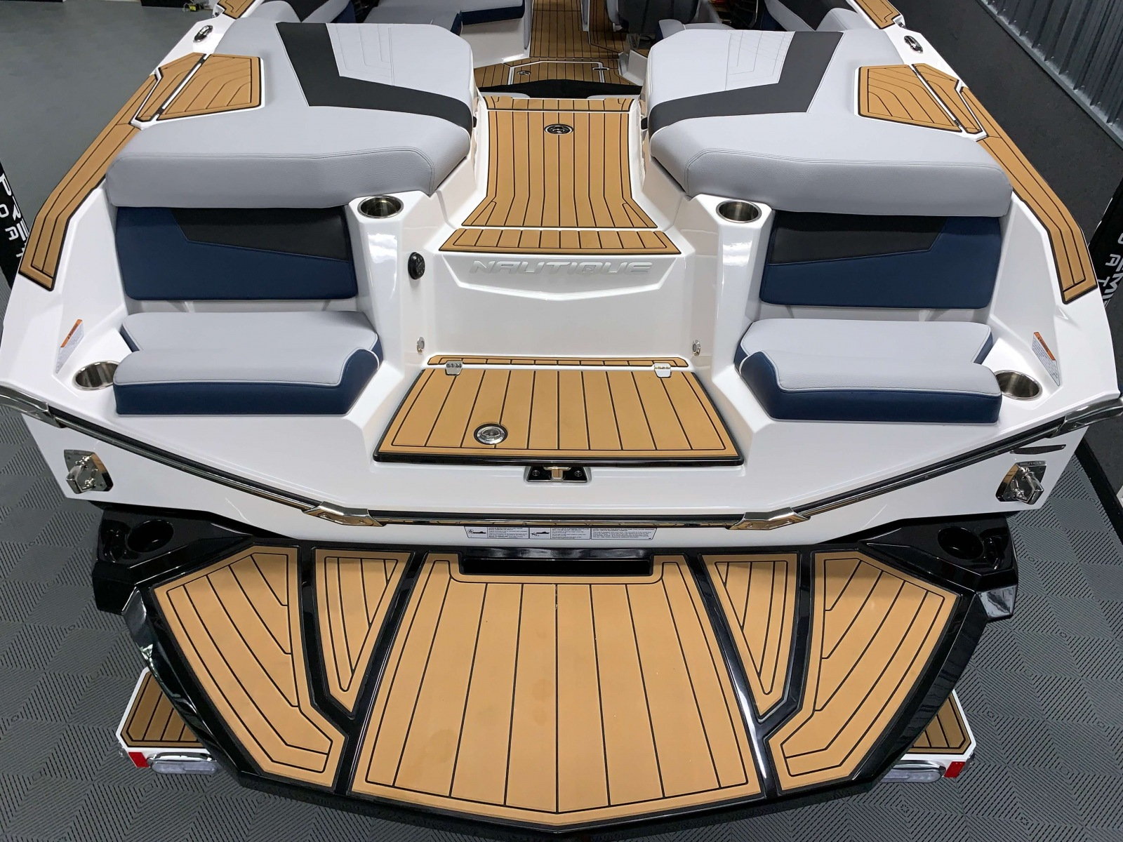 Transom of the 2021 Nautique G23 Wake Boat