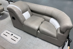 Pop-Up Changing Room of the 2021 Premier 250 Grand Majestic Tritoon Boat