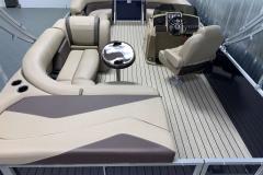 Teak Weave Vinyl Flooring on the 2021 Sylvan Mirage 8520 Cruise Pontoon Boat
