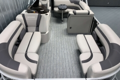 Teak Weave Vinyl Floor on the 2021 Sylvan L1 Cruise Pontoon Boat