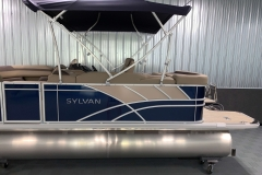 Chrome Sylvan Emblem on the 2021 Sylvan L1 Cruise Pontoon Boat
