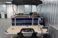 Rear Swim Deck Ladder of the 2021 Sylvan L1 Cruise Pontoon Boat