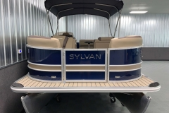 Bow Swim Deck of the 2021 Sylvan L1 Cruise Pontoon Boat