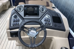 JL Audio Stereo and Humminbird Graph on the 2021 Sylvan L1 Cruise Pontoon Boat