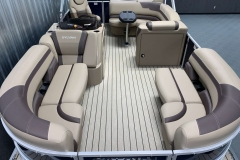 Teak Weave Vinyl Flooring of the 2021 Sylvan L1 Cruise Pontoon Boat
