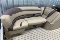 Soft Touch Vinyl of the 2021 Sylvan L1 Cruise Pontoon Boat