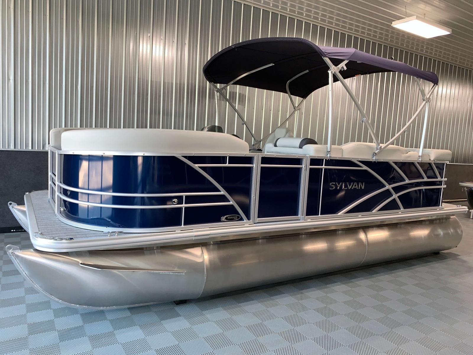 D-Rail Panel Design of a 2021 Sylvan Mirage 8520 Cruise Pontoon Boat
