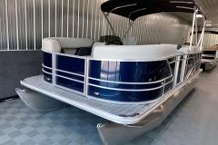 Bow Swim Deck of a 2021 Sylvan Mirage 8520 Cruise Pontoon Boat