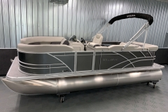 D-Rail Panel Design of a 2021 Sylvan Mirage 8520 Cruise Pontoon Boat