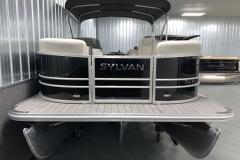 Bow Swim Deck of the 2021 Sylvan Mirage 8520 LZ Tritoon Boat
