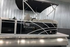 Chrome Sylvan Emblem on the 2021 Sylvan Mirage 8520 LZ Tritoon Boat