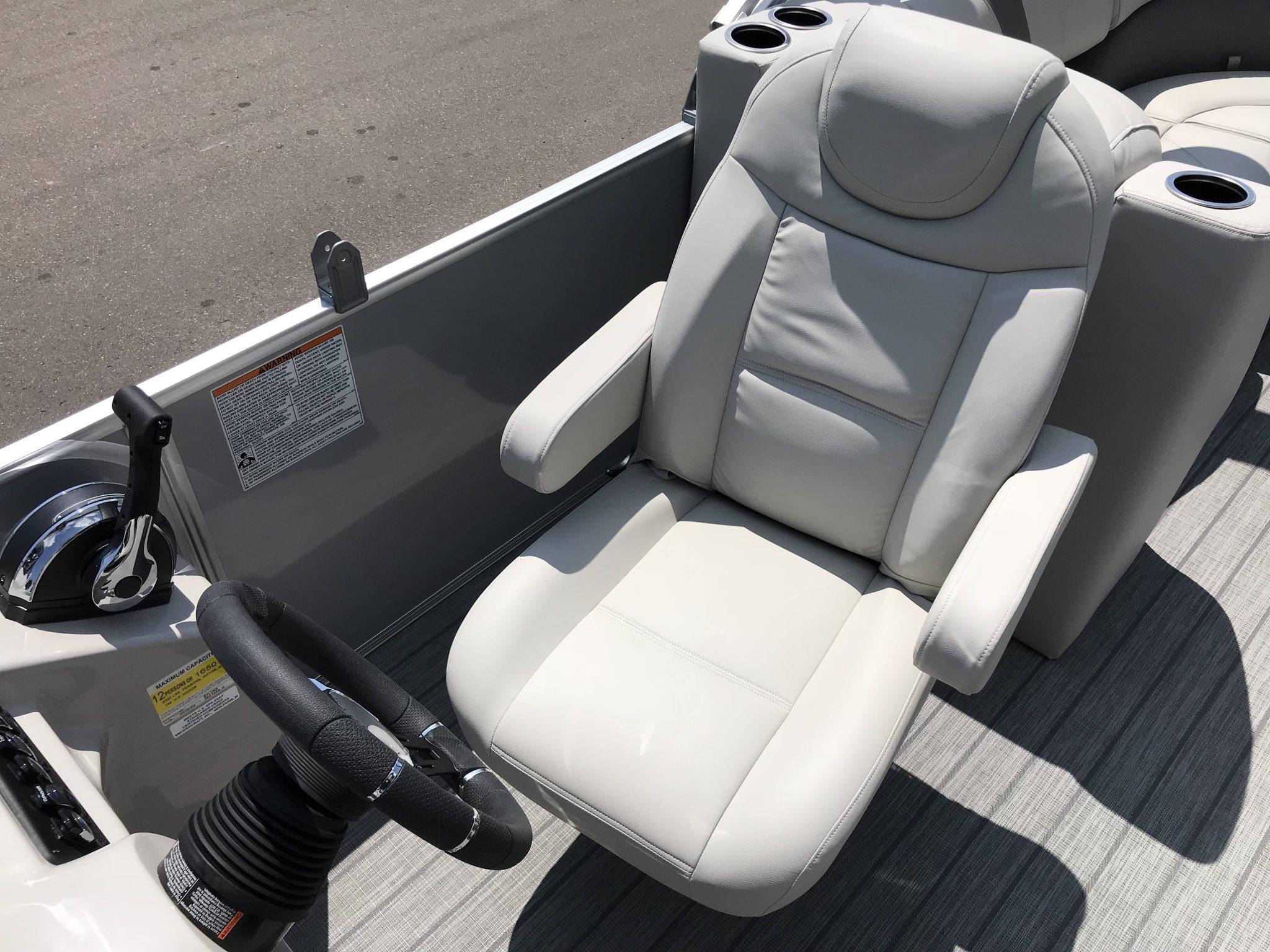 2019 Sylvan 8522 LZ LES High Back Captains Chair
