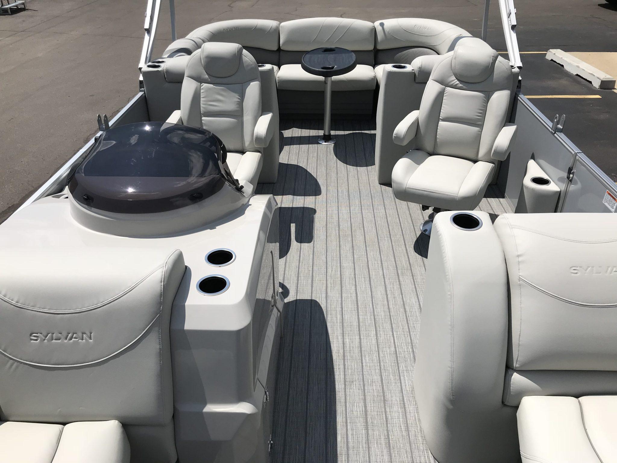 2019 Sylvan 8522 LZ LES Interior Cockpit Seating 4