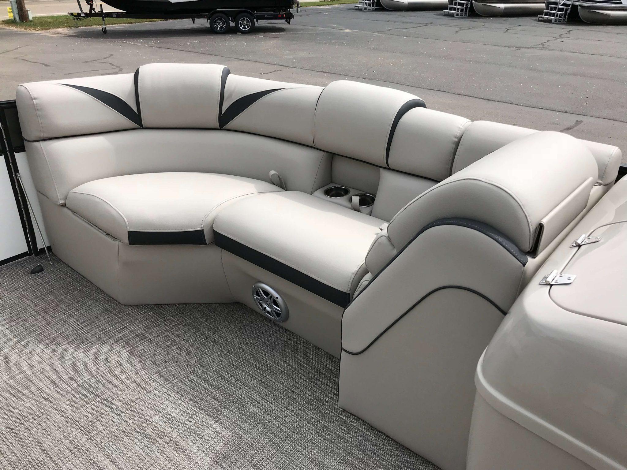 2019 Berkshire 23 SB2 STS Tritoon Interior Bow Seating 3