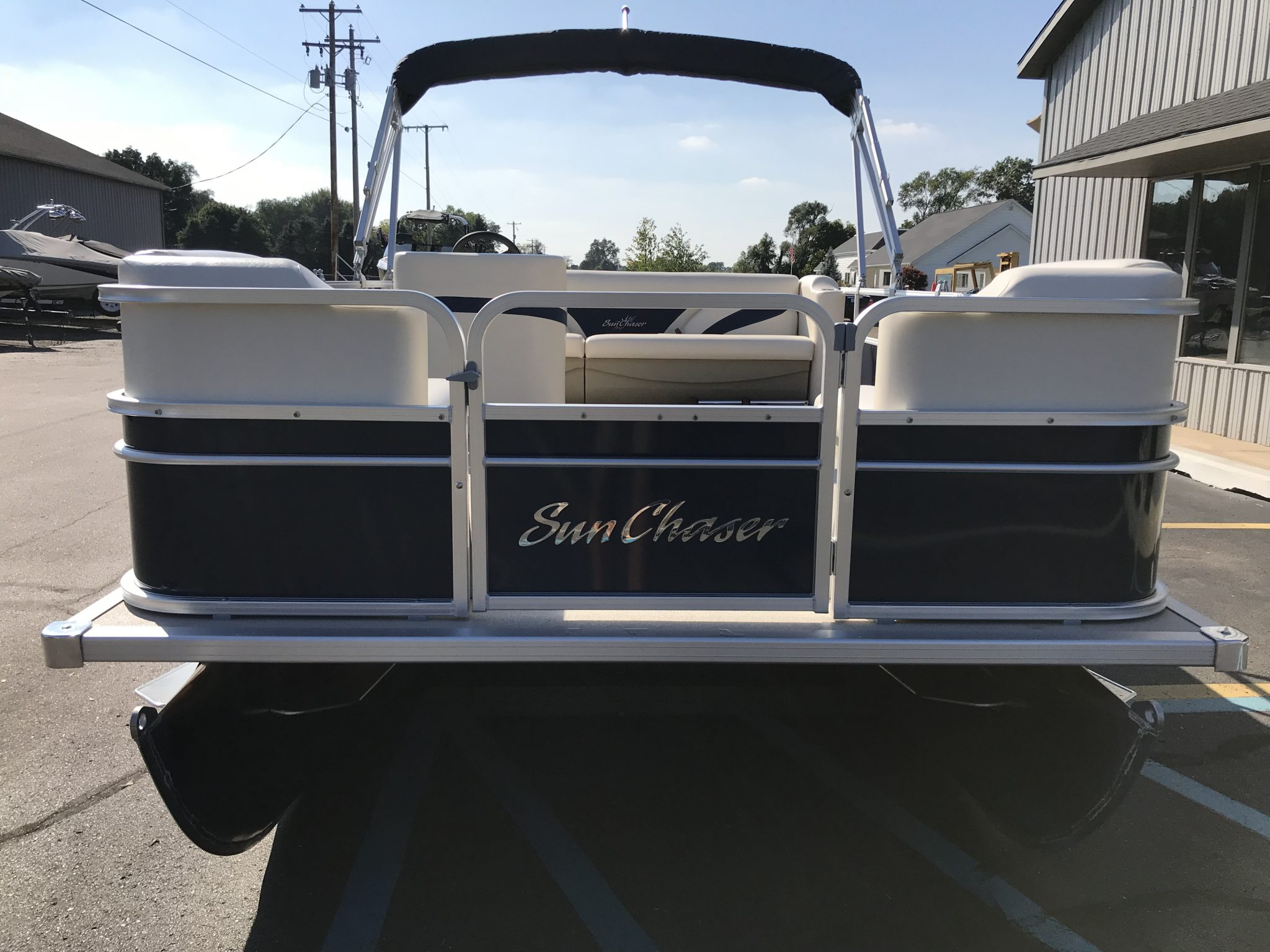 2019 SunChaser 816 Cruise Blue 3
