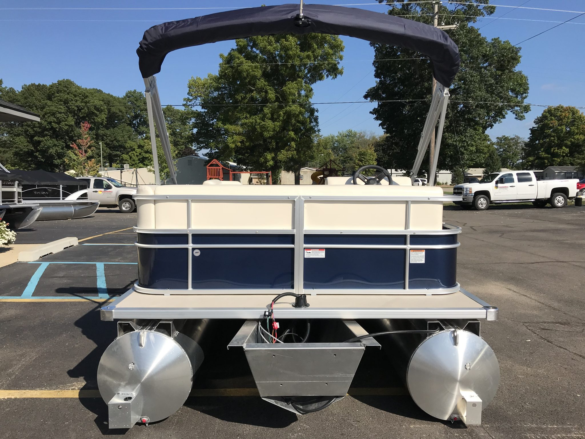 2019 SunChaser 816 Cruise Blue 6