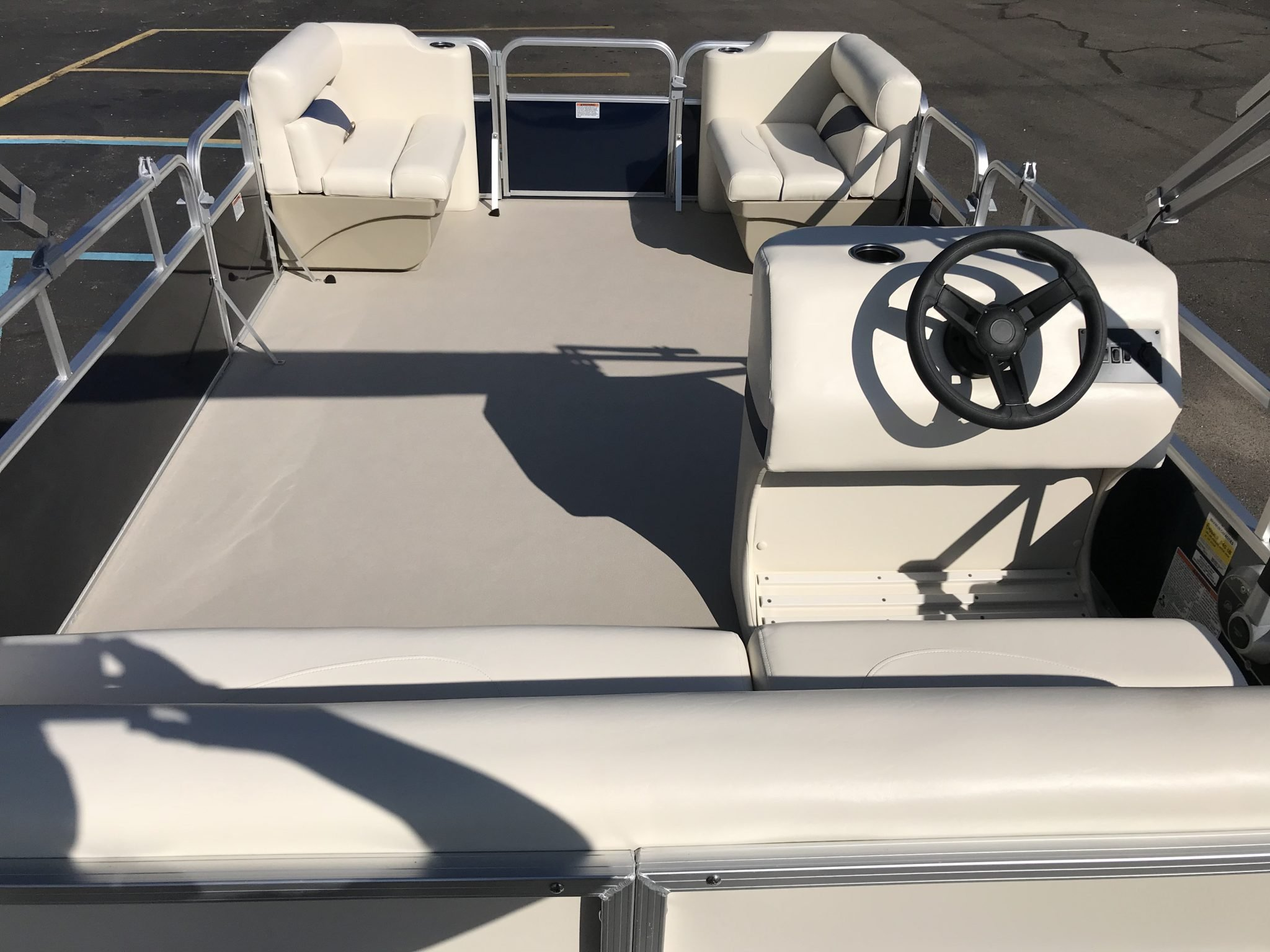 2019 SunChaser 816 Cruise Cockpit Seating Layout