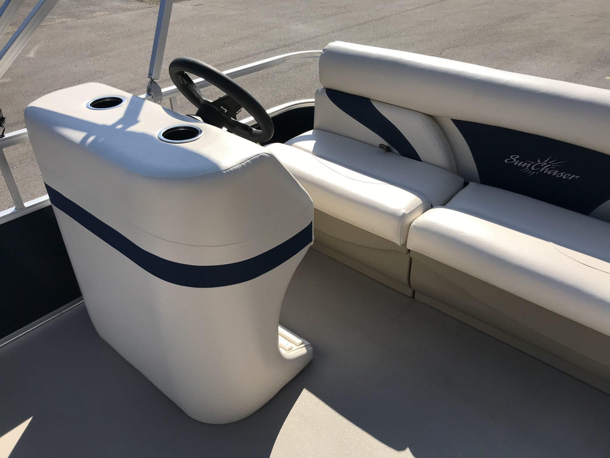2019 SunChaser 816 Cruise Helm