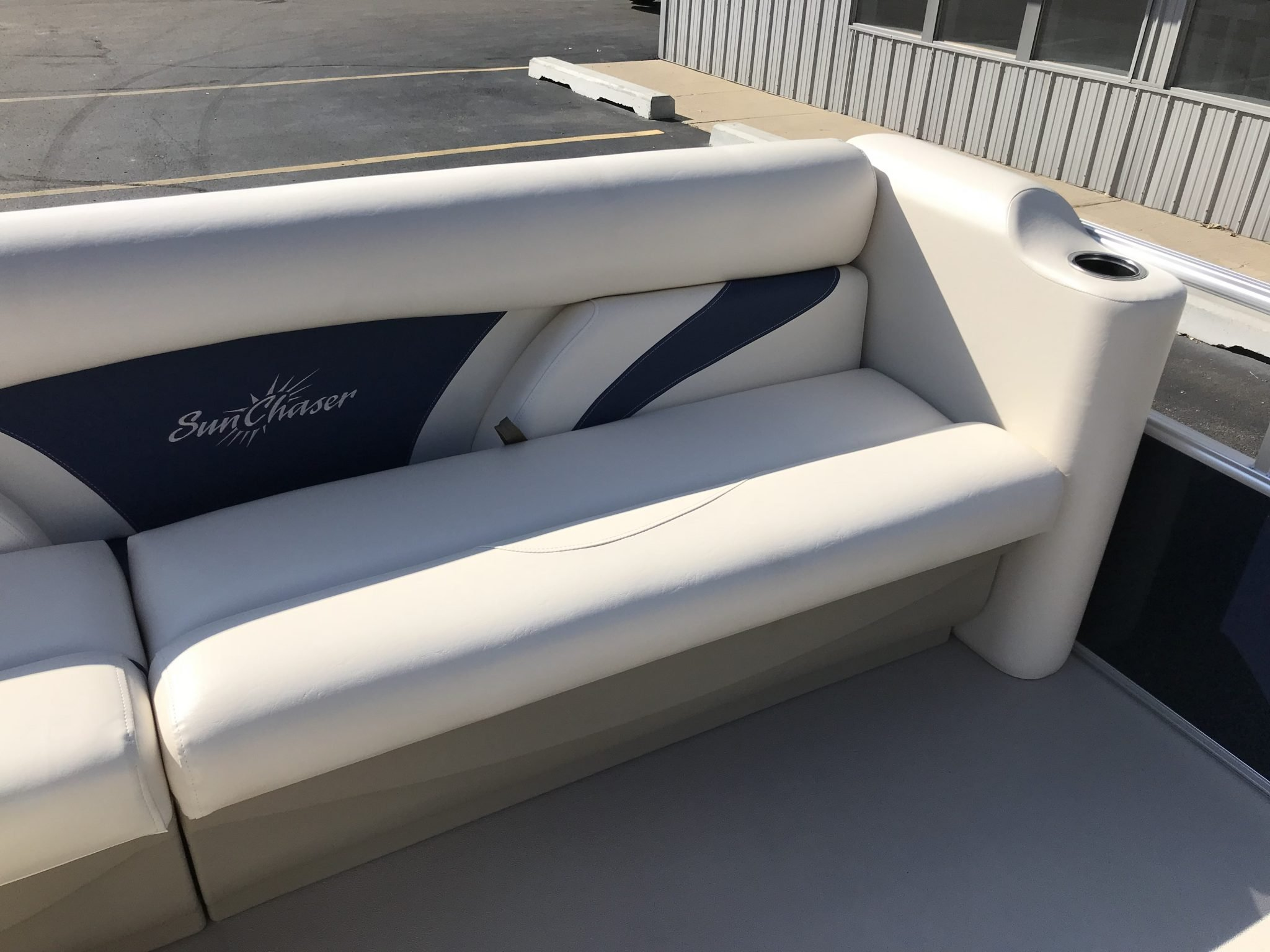 2019 SunChaser 816 Cruise Interior Cockpit Seating 2