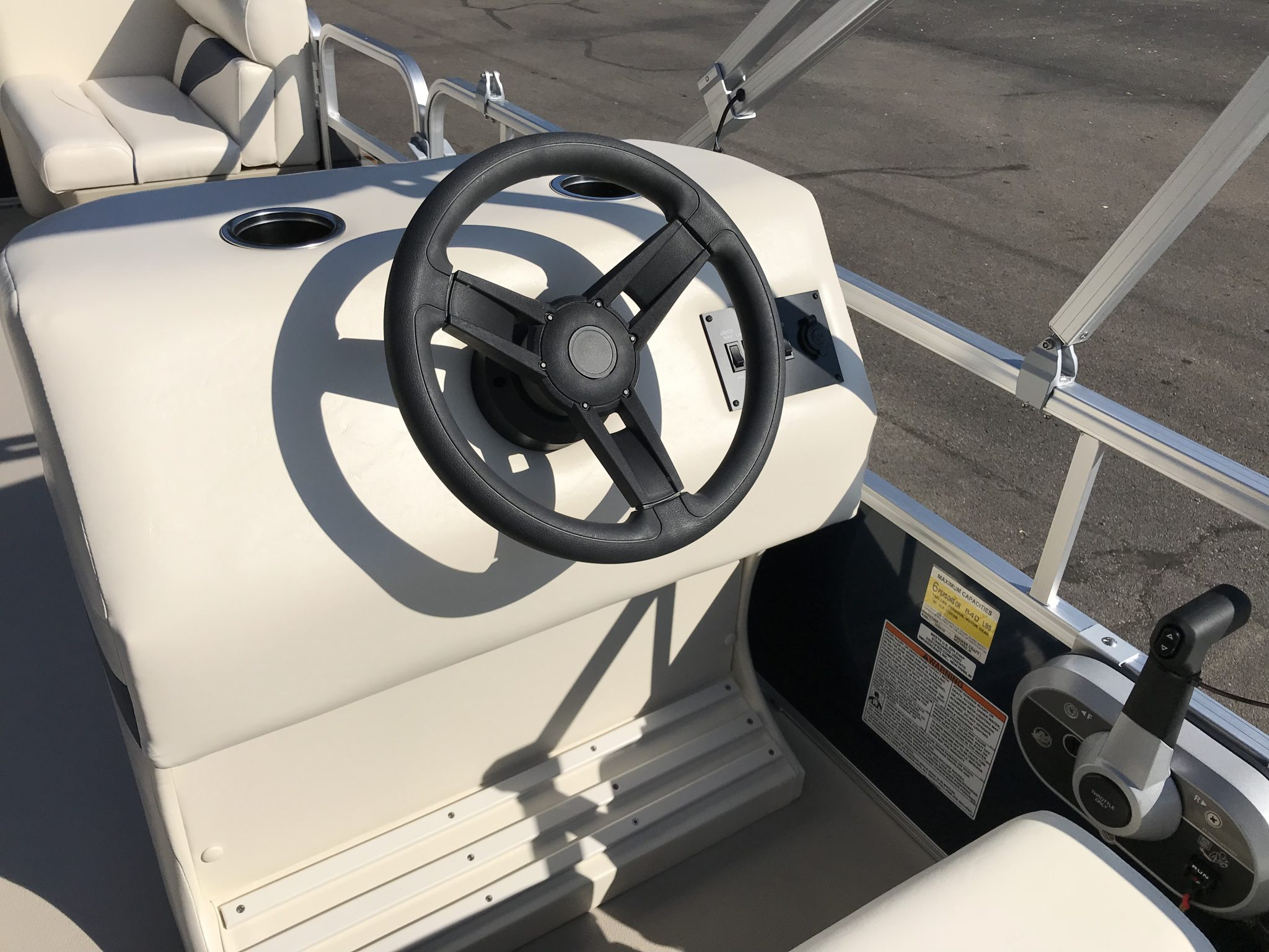 2019 SunChaser 816 Cruise Helm And Steering Wheel