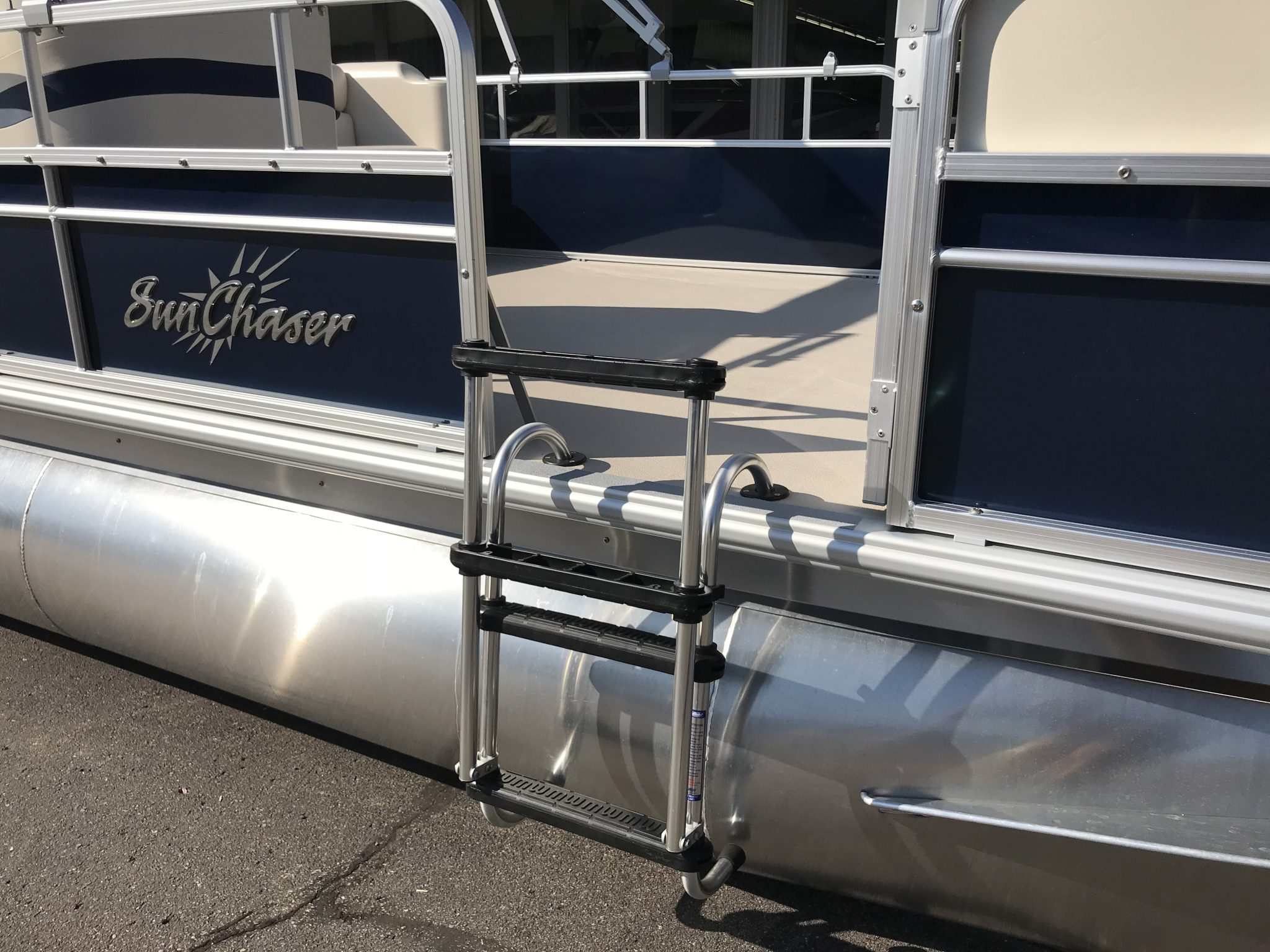 2019 SunChaser 816 Cruise Removable Gate Ladder
