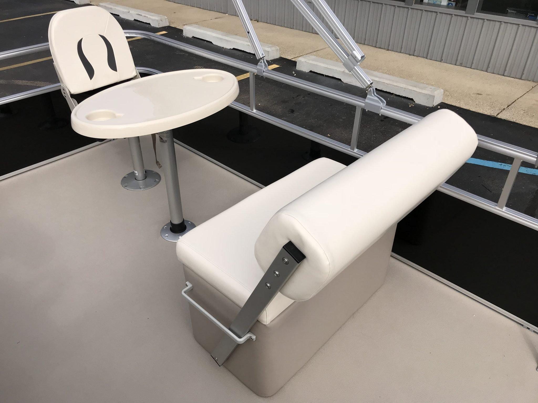 2019 SunChaser 818 4.0 Interior Flip-Flop Seating