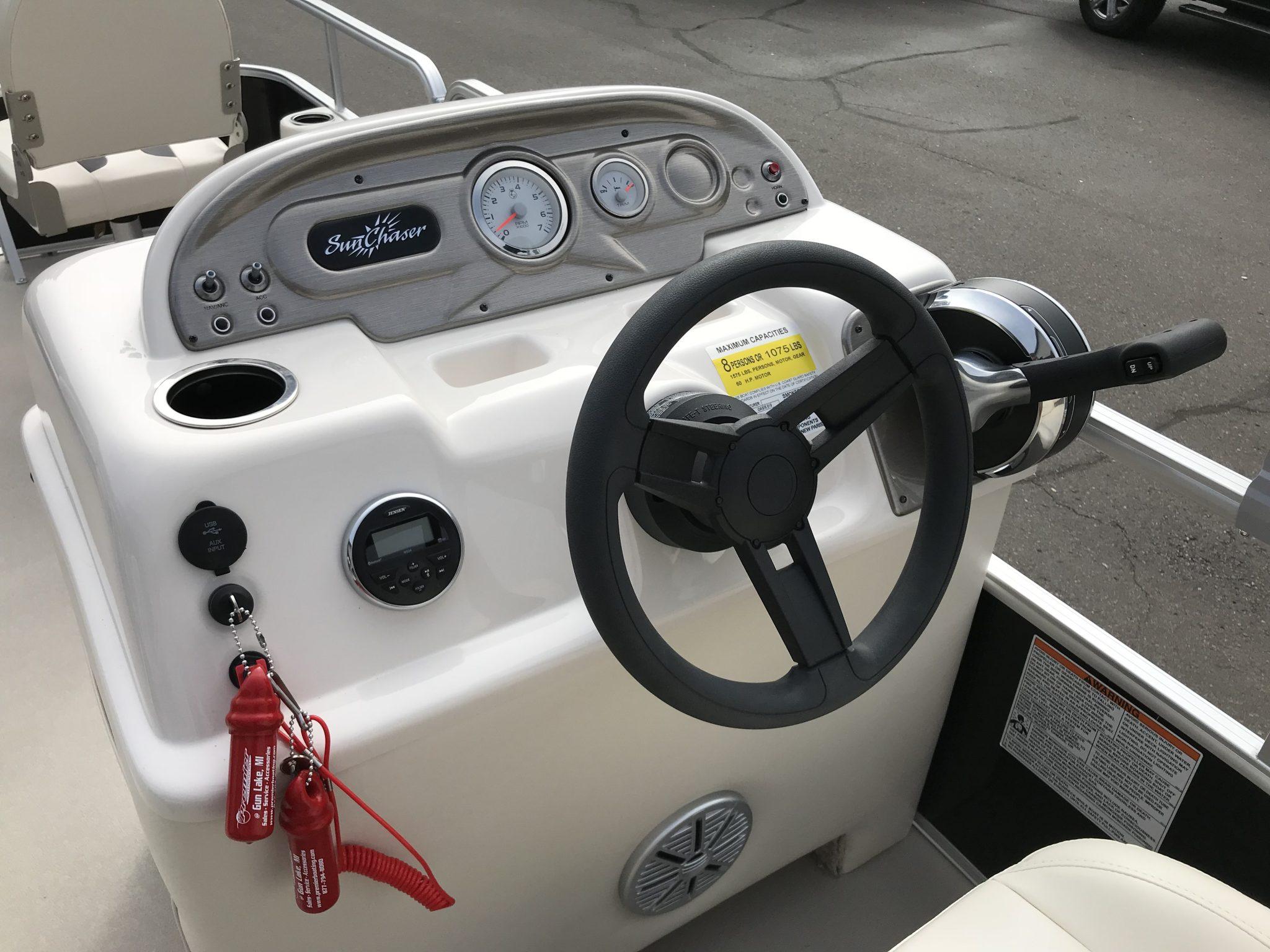 2019 SunChaser 818 4.0 Helm And Steering Wheel