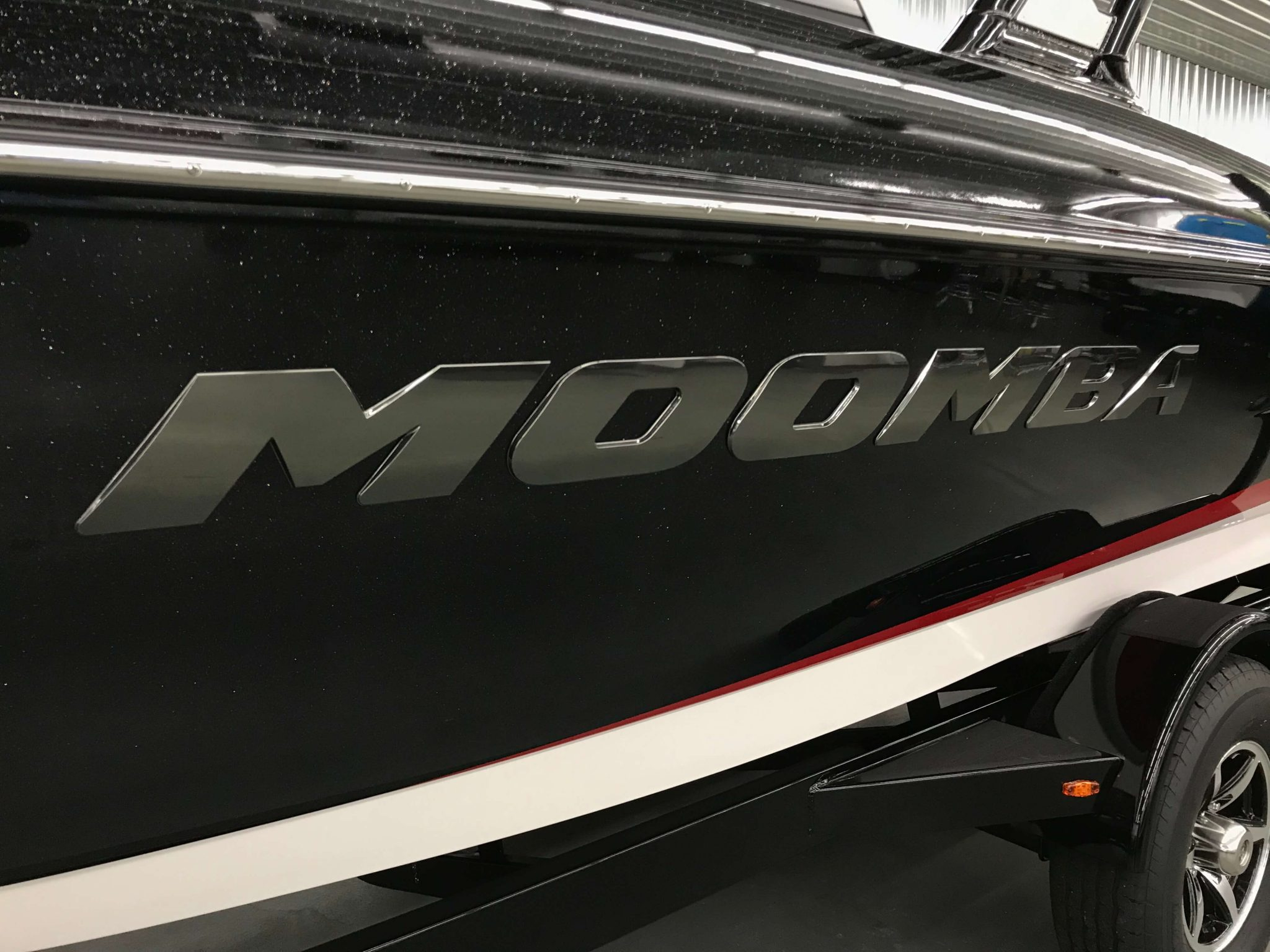 2019 Moomba Mondo Black Chrome Logo 1